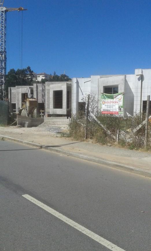 Impermeabilização e Isolamento térmico de vivendas e garagens.